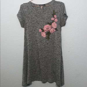 French Atmosphere Rose Embroidered Gray Tunic